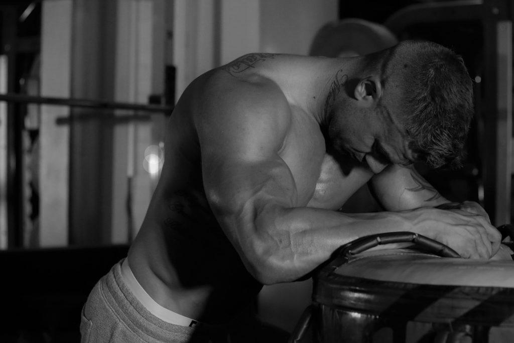 estiramientos para reducir el dolor muscular
