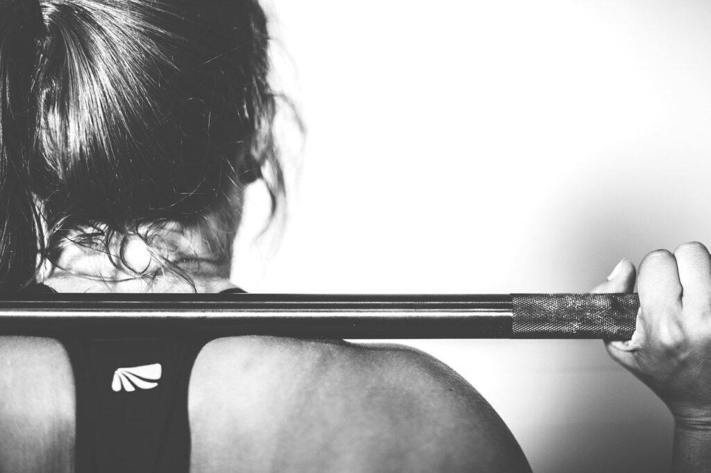 rutinas de ejercicios hacer en casa para mujeres